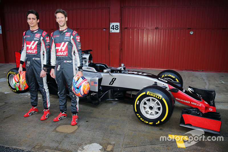 Esteban Gutierrez e Romain Grosjean, Haas F1 Team VF-16