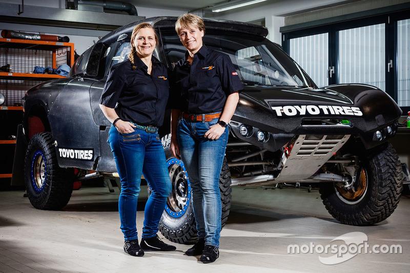 Jutta Kleinschmidt und Co-Pilotin Tina Thörner