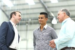 Stephen Fitzpatrick, proprietario Manor Racing, Pascal Wehrlein, Manor F1 Team e Dave Ryan, Racing D