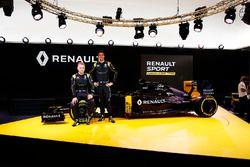 Kevin Magnussen, Renault Sport F1 Team avec Jolyon Palmer, Renault Sport F1 Team
