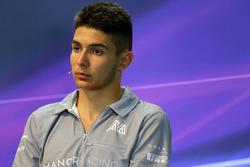 Esteban Ocon, Manor Racing en Conferencia de prensa FIA