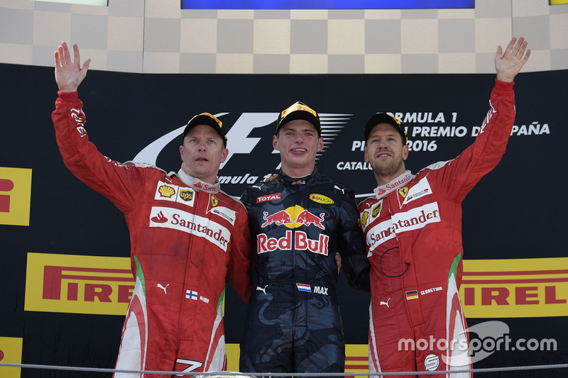 Podio: ganador, Max Verstappen, Red Bull Racing, segundo, Kimi Raikonnen, Scuderia Ferrari, tercer lugar Sebastian Vettel, Scuderia Ferrari