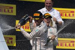 Podio: Lewis Hamilton, Mercedes, Nico Rosberg, Mercedes