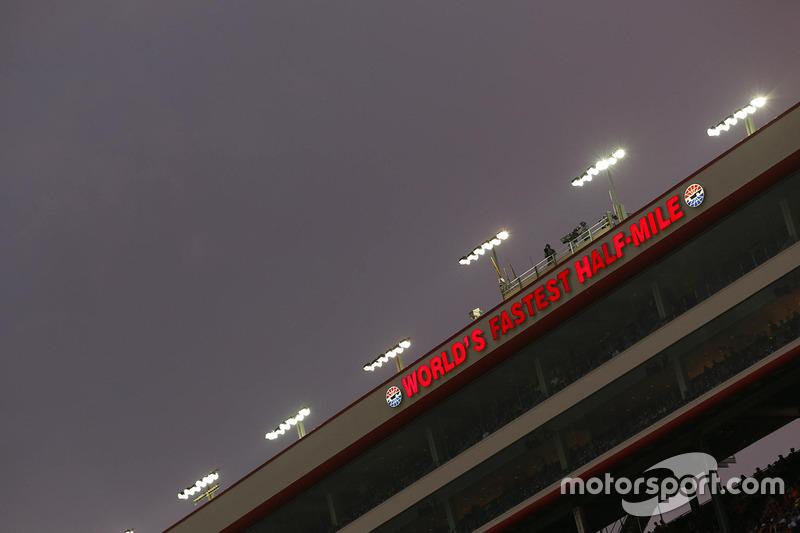 Bristol Motor Speedway atmosphere