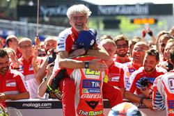 Андреа Янноне, Ducati Team и Луиджи Далл'инья, менеджер команды Ducati