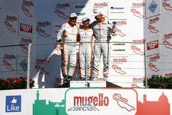 Gara 1, Podio TCS: il secondo classificato Giampiero Wyhinny, SEAT Cupra ST-TCS, il vincitore Andrea