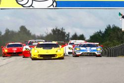 GTLM start: #3 Corvette Racing Chevrolet Corvette C7.R: Antonio Garcia, Jan Magnussen leads
