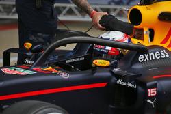 Пьер Гасли, тест-пилот Red Bull Racing с системой Halo на RB12