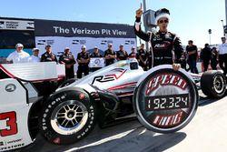 Pole-Position für Helio Castroneves, Team Penske Chevrolet