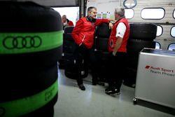 Dieter Gass, Head of DTM Audi Sport y Ernst Moser, Audi Team Phoenix