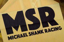 Michael Shank Racing zona de Paddock y logo