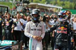 (L to R): Race winner Nico Rosberg, Mercedes AMG F1 and second placed Daniel Ricciardo, Red Bull Racing in parc ferme