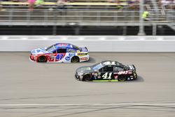 A.J. Allmendinger, JTG Daugherty Racing, Chevrolet; Kurt Busch, Stewart-Haas Racing, Chevrolet