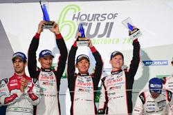 Podium LMP1: 1. #6 Toyota Racing, Toyota TS050 Hybrid: Stéphane Sarrazin, Mike Conway, Kamui Kobayas