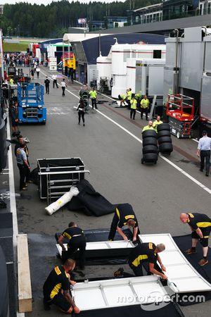 Le paddock après la course