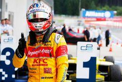 Yarış galibi Mitch Evans, Pertamina Campos Racing