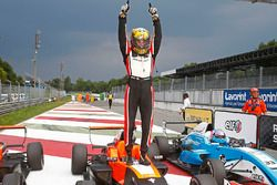 Race 2 winnaar Dorian Boccolacci, Tech 1 Racing