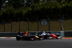 Pierre Gasly, PREMA Racing ve Oliver Rowland, MP Motorsport