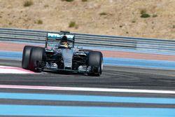 Pascal Wehrlein, Mercedes AMG F1 W07 Hybrid with 2017 Pirelli tyres