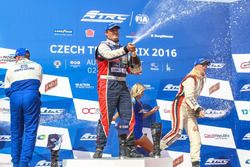 Podium: Sieger Adam Lacko, Freightliner; 2. Jochen Hahn, MAN; 3. Steffi Halm, MAN