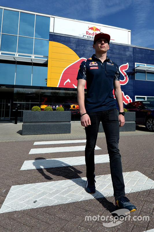 Max Verstappen, Red Bull Racing visite l'usine
