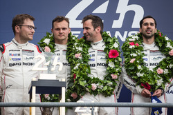LMP1 podium: class and overal winners #2 Porsche Team Porsche 919 Hybrid: Romain Dumas, Neel Jani, Marc Lieb