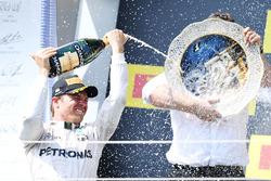 Podium : le deuxième, Nico Rosberg, Mercedes AMG F1 Team