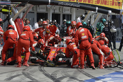Sebastian Vettel, Ferrari SF16-H aux stands