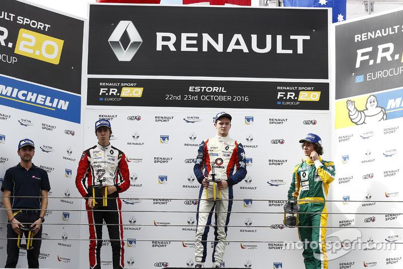 Podio: il vincitore della gara Will Palmer, R-ace GP; il secondo classificato Hugo De Sadeleer, Tech