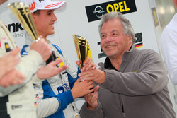Podium: bester Junior Tom Lautenschlager, Liqui Moly Team Engstler, VW Golf GTI TCR