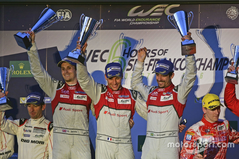 Sieger #8 Audi Sport Team Joest Audi R18 e-tron quattro: Lucas di Grassi, Loic Duval, Oliver Jarvis