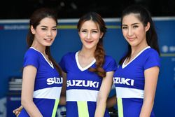 Hermosas chicas de la parrilla de Suzuki