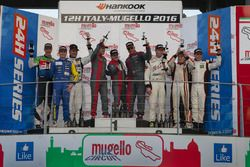 Podio A6-AM: ganador #17 IDEC SPORT RACING Mercedes SLS AMG GT3: Patrice Lafargue, Paul Lafargue, G