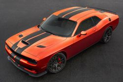 Dodge Challenger SRT version Go Mango