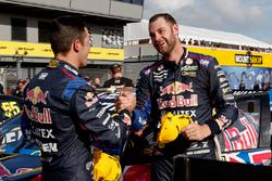 Race winner Shane van Gisbergen, Triple Eight Race Engineering Holden, second place Jamie Whincup, T