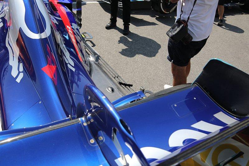 Toro Rosso STR14 arka kanat detay
