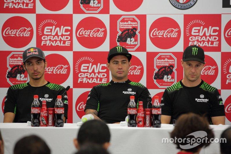 ジョナサン・レイ、レオン・ハスラム、トプラック・ラズガットリオグル(Kawasaki Racing Team)
