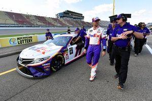 Denny Hamlin, Joe Gibbs Racing, Toyota Camry FedEx Office and Christopher Gabehart