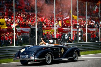 Lewis Hamilton, Mercedes AMG F1 tijdens de rijdersparade