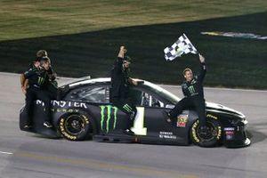 Race Winner Kurt Busch, Chip Ganassi Racing, Chevrolet Camaro Monster Energy