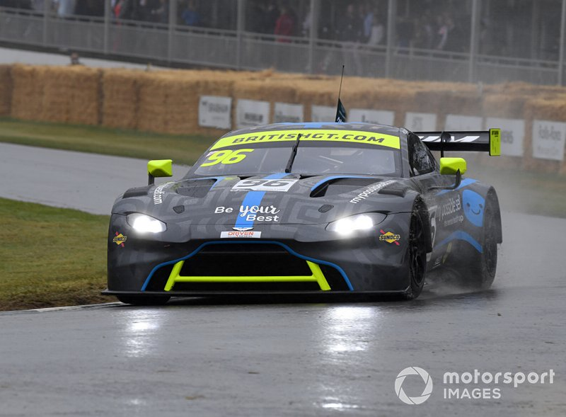 Aston Martin Vantage Johnny Adam