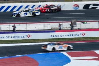 Chase Elliott, Hendrick Motorsports, Chevrolet Camaro NAPA AUTO PARTS, Daniel Suarez, Stewart-Haas Racing, Ford Mustang Haas Automation