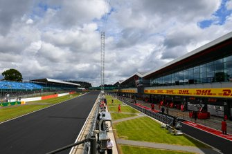 New Track surface in the pit lane