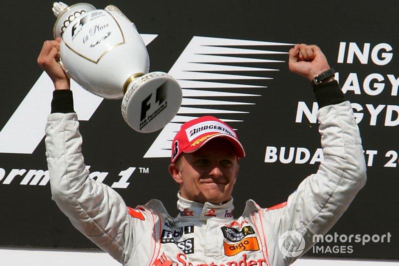 Podium: Winnaar Heikki Kovalainen, McLaren