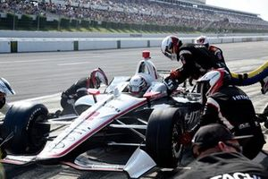 Josef Newgarden, Team Penske Chevrolet pit stop
