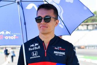 Alexander Albon, Toro Rosso walks the track