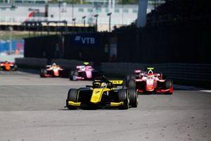 Guanyu Zhou, UNI Virtuosi Racing Sean Gelael, Prema Racing