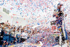 Race winner Chase Elliott, Hendrick Motorsports Chevrolet