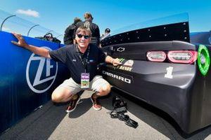 Kurt Busch, Chip Ganassi Racing, Chevrolet Camaro Monster Energy meet and greet