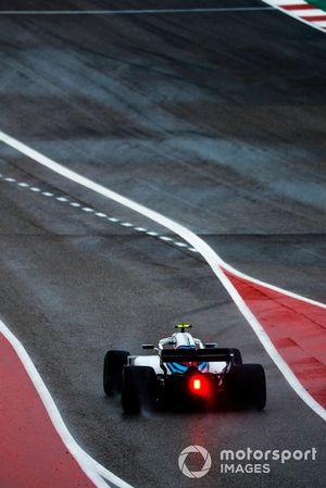Sergey Sirotkin, Williams FW41, leaves the pit lane